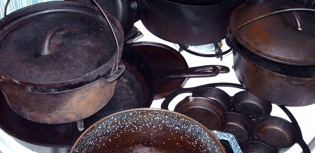 Expand Your Cast Iron Cooking Repertoire With These Amazing Recipes  http://www.vegetarianzen.com