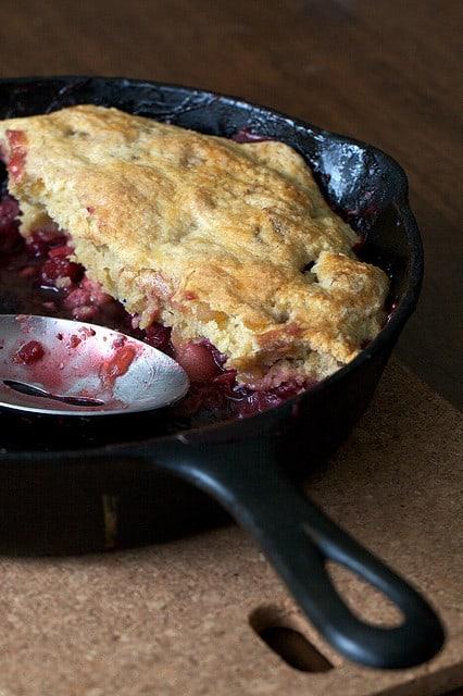 cast iron skillet dessert http://www.vegetarianzen.com