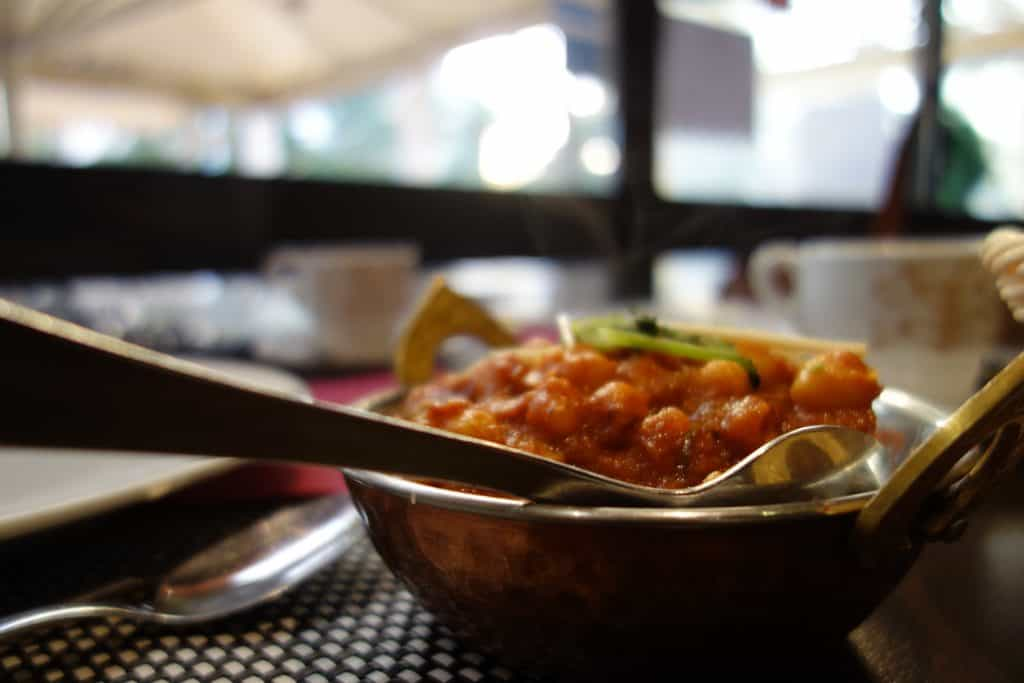 bowl of cooked chickpea